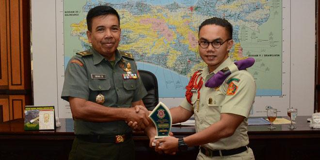 Panitia Pekan Integrasi Menwa se Indonesia Audiensi Dengan Kasdam IV/Diponegoro
