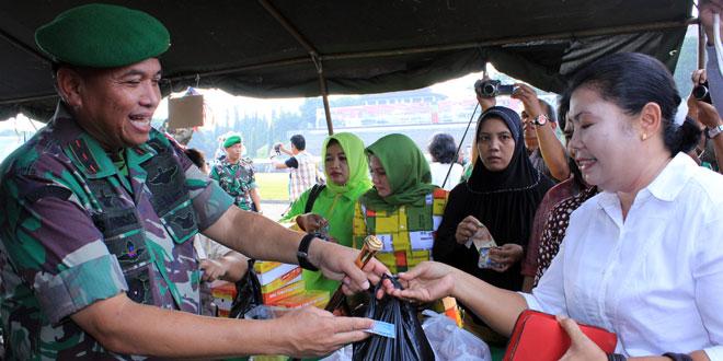 Satuan Jajaran Kodam IV/Diponegoro Meriahkan Pasar Murah