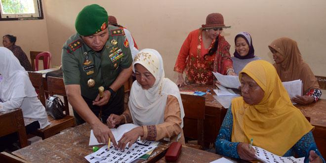 Program Bebas Buta Aksara Kodam IV/Diponegoro Tingkatkan Kualitas SDM