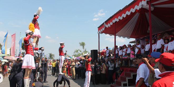 Karnaval Pemkab Brebes Meriahkan HUT Kemerdekaan