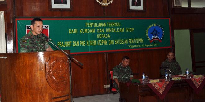 Penyuluhan Hukum Terpadu Prajurit Korem 072/Pmk
