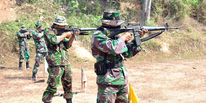Personel Korem 074/Warastratama Laksanakan Latihan Menembak