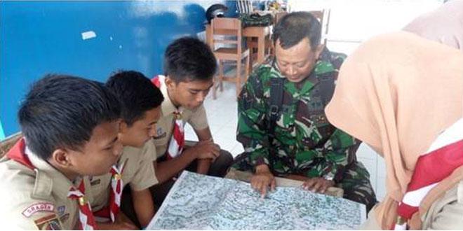 Pembinaan Pramuka SMK I Kalijambe Oleh Anggota Koramil 18/Kalijambe