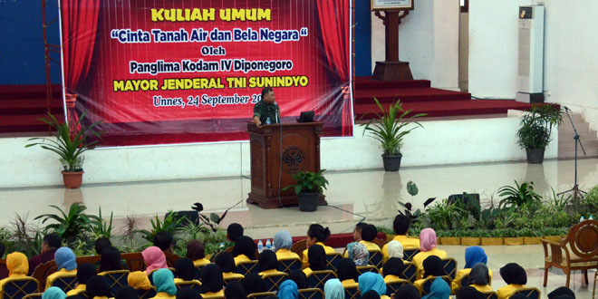 Pangdam IV/Diponegoro Memberikan Kuliah Umum Cinta Tanah Air Di Unnes