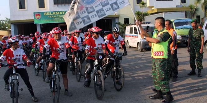 Dandim Brebes Melepas Tim 69 Touring KSI TNI