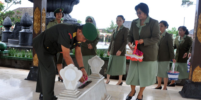 Dalam Rangka Hari Juang Kartika Kodam IV/Dip Ziarah ke TMP Kusumanegara Yogyakarta