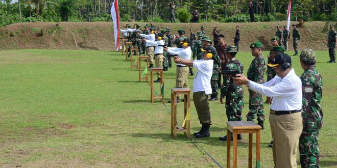 40 Bupati/Walikota Latihan Menembak di Kodam IV/Diponegoro