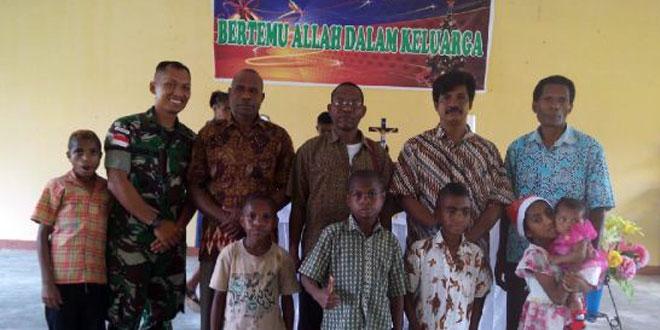 Rayakan Natal di Papua, Walaupun Meninggalkan Keluarga Demi Tugas Tetap Semangat Pantang Mundur