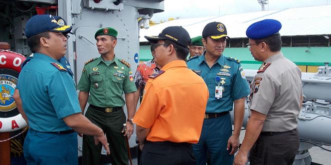 Serpihan Pesawat Air Asia QZ8501 di Perairan Sekitar Semarang Jawa Tengah