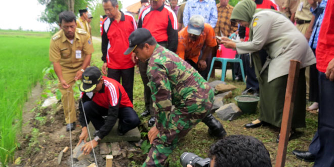 Peletakan Batu Pertama Perbaikan Irigasi