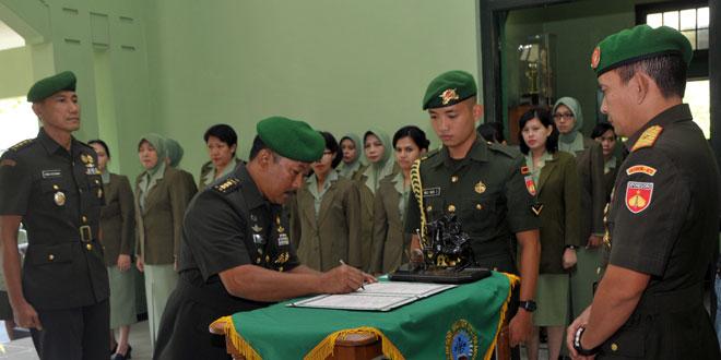 Danrem 072/PMK Pimpin Sertijab Kepala Staf Korem