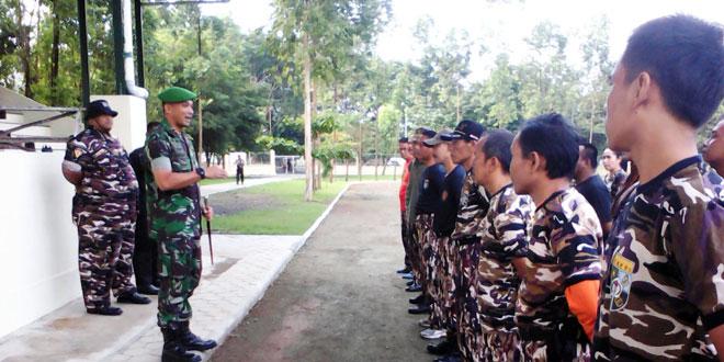 Dandim 0735/Surakarta Meninjau Latihan PBB FKPPI Kota Surakarta
