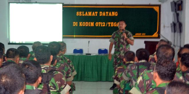 Dandim 0712/Tegal Memberikan Sosialisasi Rekrutmen Penerimaan Prajurit TNI-AD Kepada  Anggota Kodim 0712/Tegal