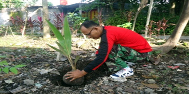 Kodim 0724/Boyolali Galakkan Penanaman Pohon Kelapa Agar Tetap Lestari
