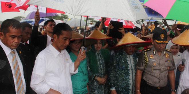 Presiden Jokowi Bantu Petani Jawa Tengah