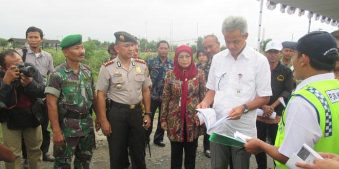 Danramil 01/Tegal Barat Menyambut Kedatangan Gubernur Jateng