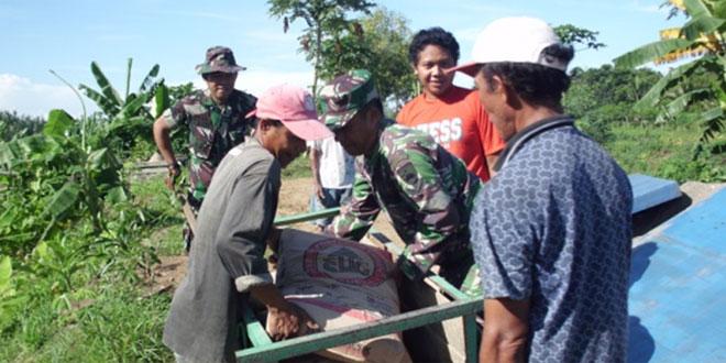 Bakti TNI Perbaiki Saluran Irigasi Sawah