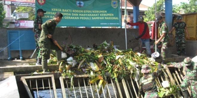 Kodim 0709/Kebumen Gelar Peduli Sampah Nasional 2015