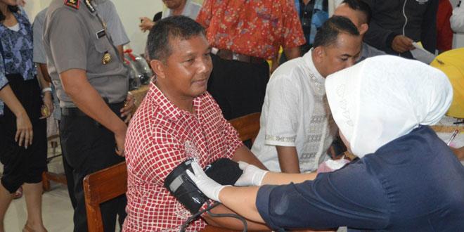 Dandim 0712/Tegal Menghadiri Acara Donor Darah Special di Makin Kota Tegal Dalam Rangka Hari Imlek