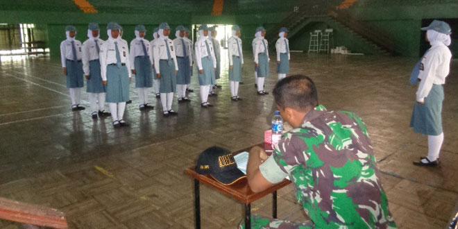 Anggota TNI Jadi Juri Lomba PBB & TUB Tingkat SLTA se Distrik Wonogiri