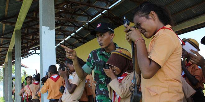 Satgas Yonif 400/Raider Berikan Materi Peserta Jambore Pramuka