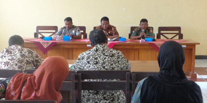 Rapat Koordinasi Lengkap di Aula Kecamatan Bumiayu