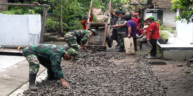 Kegiatan Karya Bhakti TNI di Wilayah Kodim 0713/Brebes TA. 2015