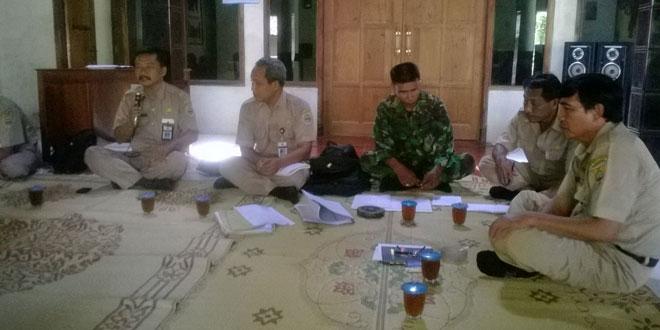 Babinsa Koramil-08/Sambirejo Hadiri Pertemuan Rutin Kelompok Tani Desa Sukorejo
