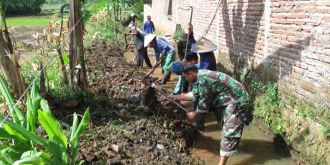 Koramil 12/Jatinegara Melaksanakan Karya Bakti di Desa Lebakwangi Kec. Jatinegara Kab. Tegal
