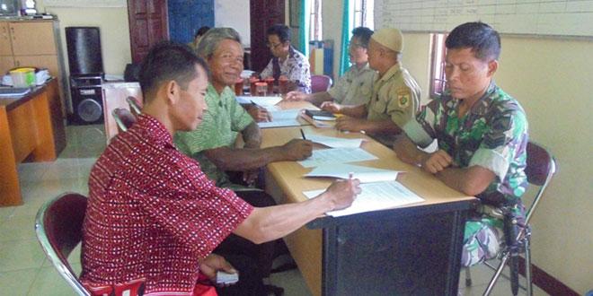 Babinsa Bulurejo Koramil-04/Nguntoronadi Saksikan Penandatanganan GPPTT