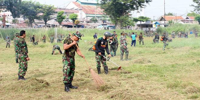 Kasdim 0733-BS/Semarang Pimpin Karya Bhakti di Lapangan Kalisari