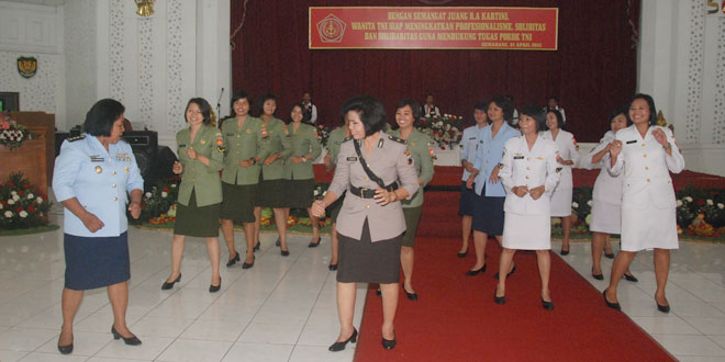 Panglima TNI : Wanita Pencerah Peradaban Negara