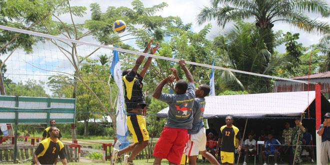 Turnamen Bola Volly Memperingati HUT Kodam XVII/Cendrawasih dan Yonif 400/Raider