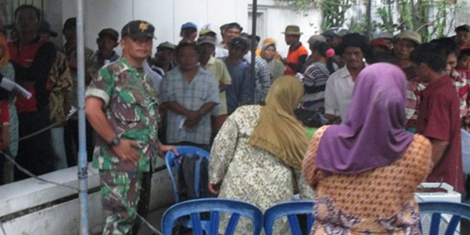 Koramil 05/Suradadi Pengamanan Pembayaran PSKS di Kantor Pos Suradadi