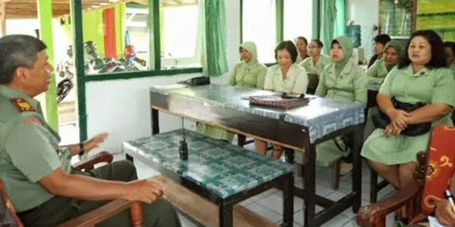 Pembinaan Anggota dan Persit KCK Ranting 15