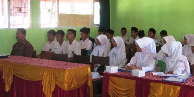 Penyuluhan Bahaya Narkoba di SMK Mpu Tantular Kemranjen Kabupaten Banyumas