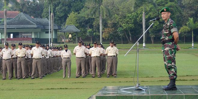 PNS di Lingkungan TNI AD Wajib Disiplin