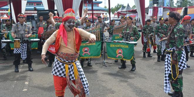Thek-Thek Banyumasan Turut Serta Warnai Pameran