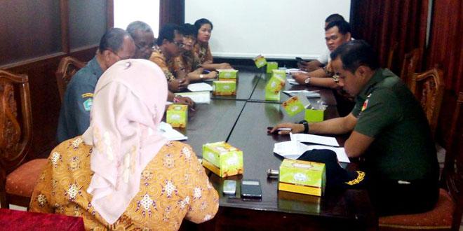 Rapat Koordinasi Stabilitas Harga Kebutuhan Pokok dan Penanganan Penyebaran ISIS di Kota Surakarta