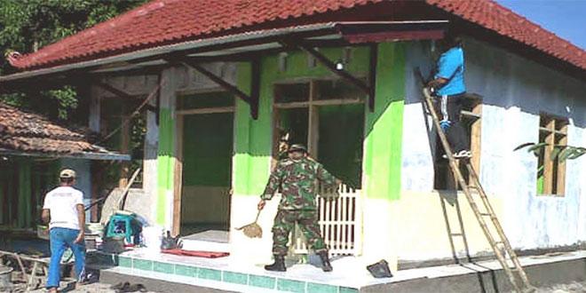 Koramil 03/Banjarejo Karya Bhakti Bangun Musholla Baitus Saadha Berkelanjutan