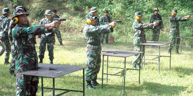 Prajurit Pendam IV/Diponegoro Tingkatkan Kemampuan Menembak