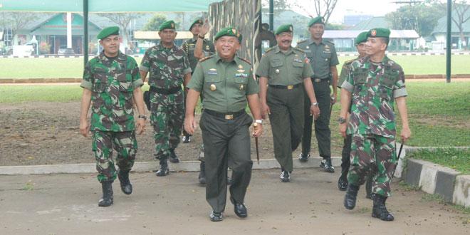 Pangdam IV/Diponegoro mengecek kesiapan sebelum penyelenggaraan Lomba Ton Tangkas di Rindam IV/Diponegoro