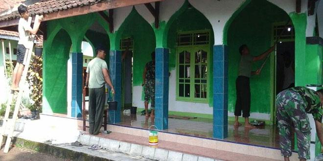 Koramil 11/Pangkah Karya Bakti di Desa Bogares