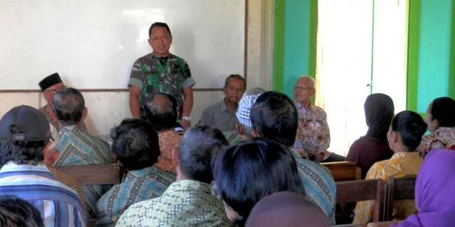 Komsos TNI dengan KBT
