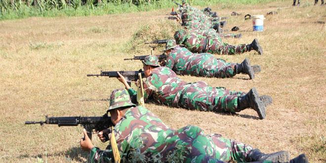 Bulan Puasa Prajurit Kodim Kudus Tetap Latihan Menembak
