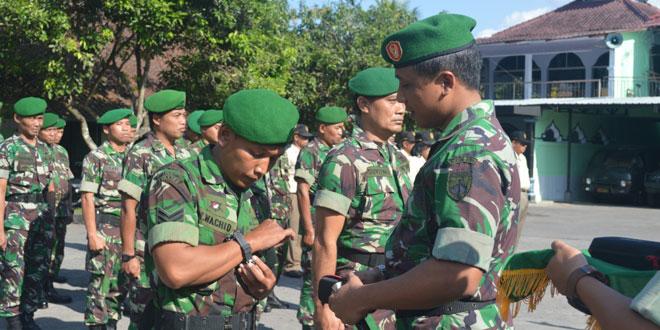 Dandim Magelang Serahkan 333 Jam Tangan Hadiah Panglima TNI