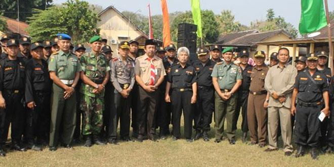 Dandim 0725/Sragen Laksanakan Apel Gelar Pasukan Operasi Ketupat 2015
