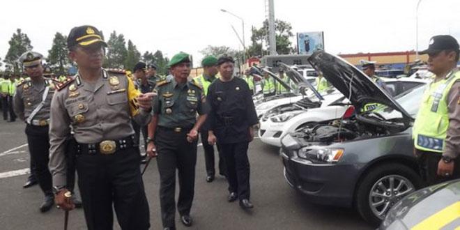 TNI Bantu Polres Banyumas Amankan Arus Mudik