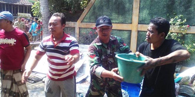 """Koramil 06/Wedung Bantu Padamkan """"Si Jago Merah"""""""