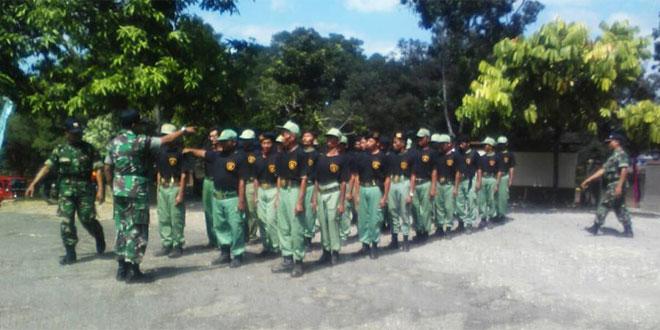 Muspika Nguntoronadi Berikan Wasbang dan Latihan PBB Pada Linmas